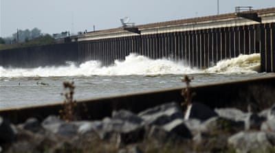 US army opens Mississippi floodgate