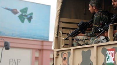 Pakistani forces end naval base attack