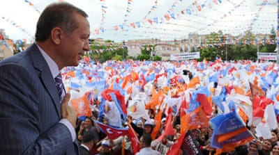 Campaign trail fight gets 'dirty' in Turkey