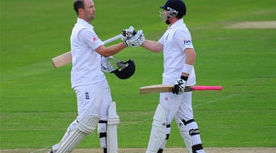 Trott hits double century for England