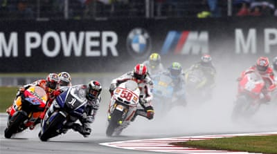 Stoner wins in the wet at Silverstone