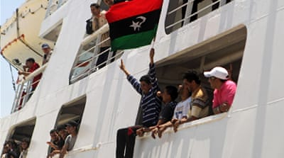 Red Cross ship reunites Libyan families
