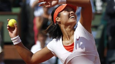 Li beats Schiavone to win French Open