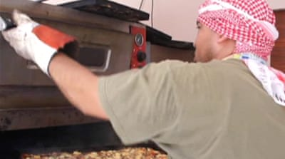 Pizza delivery man helps feed Libyan rebels