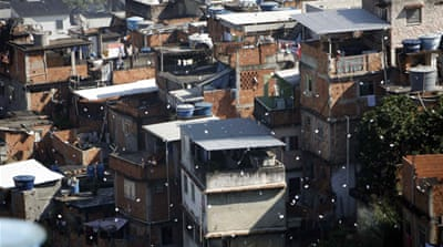 Women in favelas broadcast peace