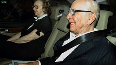 Murdoch under pressure to drop BSkyB bid