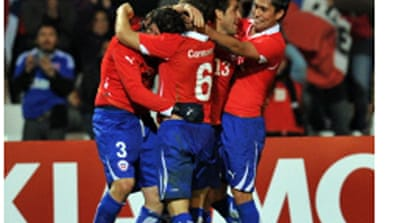 Late goal puts Chile into quarter-finals