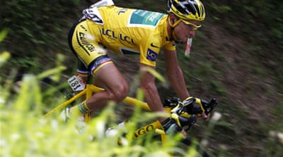 Frenchman Voeckler leads in Tour de France