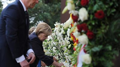 Germany pays tribute to Berlin Wall victims