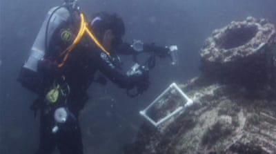 US divers explore WWII ship wrecks