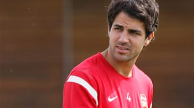 Fabregas completes move to Barcelona