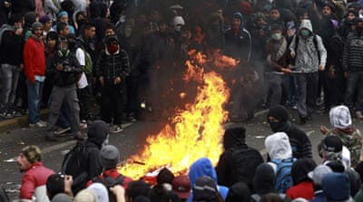 Protestors clash with police in Chile