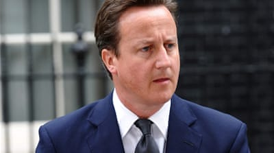 Cameron vows action to halt London riots