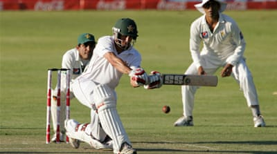 Zimbabwe start positively against Pakistan