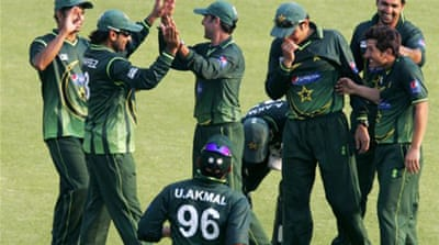 Pakistan outclass Zimbabwe in third ODI