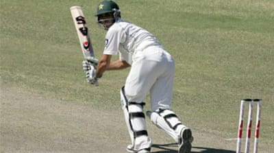 Zimbabwe fail to stop Pakistan reply