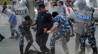 Kuwait police crackdown on stateless protests