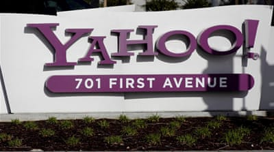 Yahoo! chairman and directors step down