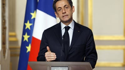 Sarkozy pledges fund to protect French jobs