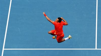 Tsonga and Djokovic ease into last 16