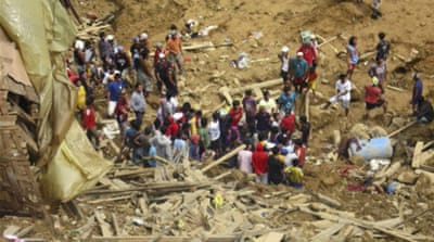 Deadly landslide rips through Philippine town