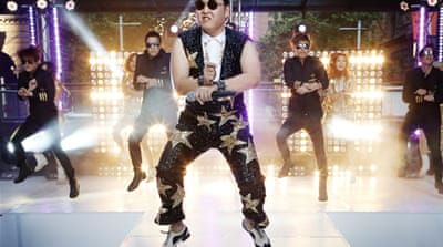'Gangnam Style' gallops into internet history