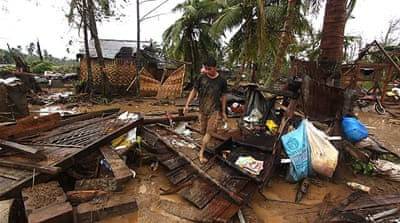 Hundreds dead in Philippines typhoon