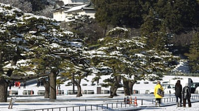 Heavy snow blankets Japan