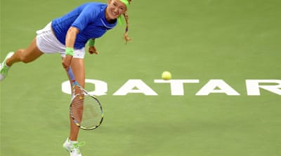 Azarenka rolls on in Qatar