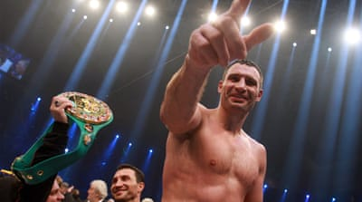 Klitschko downs Chisora to retain WBC title