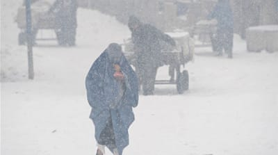 Afghanistan battles against cold and snow