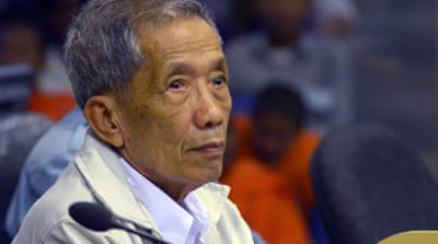 Khmer Rouge chief jailer given life sentence