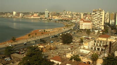 Angola's police raid newspaper office