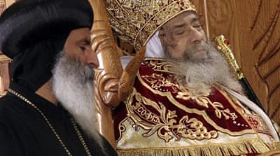 Thousands mourn Egypt's Coptic Pope Shenouda