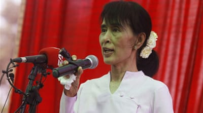 Suu Kyi warns of 'poll irregularities'