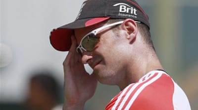 Strauss under pressure in Colombo