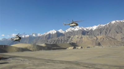 Pakistan army searches for avalanche victims