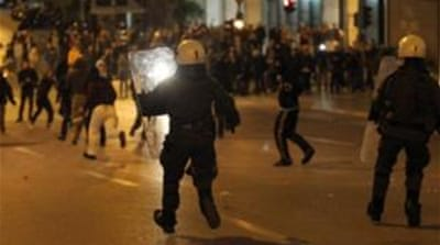 Greek unrest over pensioner suicide