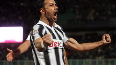 Juve go top as Milan falter