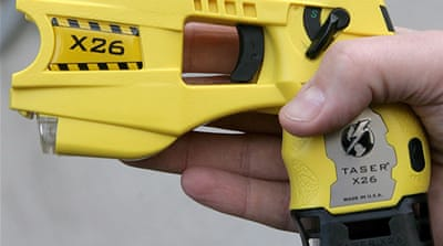 US police accused of abuse with tasers