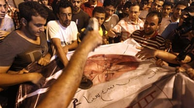Egypt protesters storm Shafiq's Cairo office