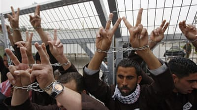 Hundreds of prisoners are on hunger strike to oppose administrative detention and demand better conditions [Reuters]