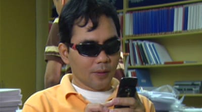 Philippine youths invent phone for the blind