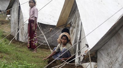 'Mass graves' for Myanmar's Rohingya