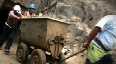 Peruvians protest against mining project