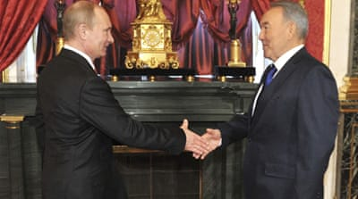 Putin edges towards Eurasian Union