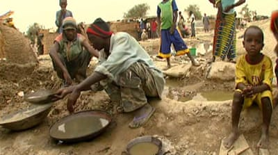 Burkina Faso children toil in gold mines
