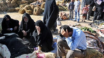 Aid slow to reach Iran quake survivors