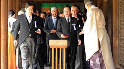 Japan ministers in controversial shrine visit