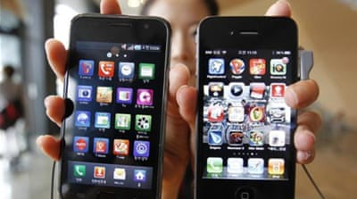 Apple and Samsung lead the $219bn market for smartphones and computer tablets [Reuters]